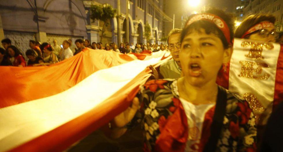Movilización se concentró en la Plaza San Martín y prosiguió por la avenida Nicolás de Piércoles y avenida Garcilazo (Ex Wilson). (Luis Centurión/Perú 21)