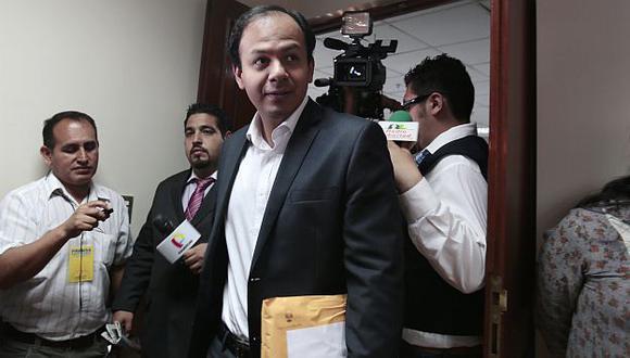 Juan José Díaz Dios entregó informe final de la comisión López Meneses. (Nancy Dueñas)