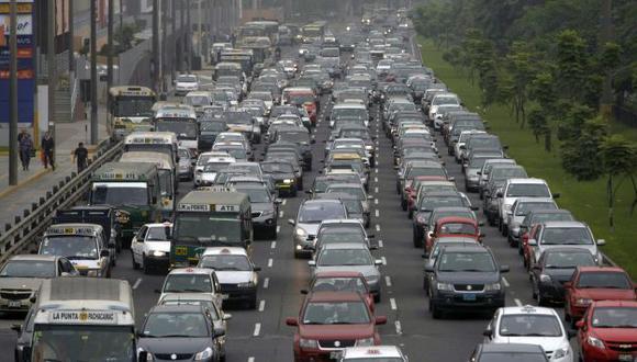 Limeños pierden 30 minutos en bloqueos de vías. (USI/Referencial)