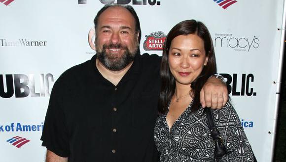Gandolfini y su esposa. (AP)
