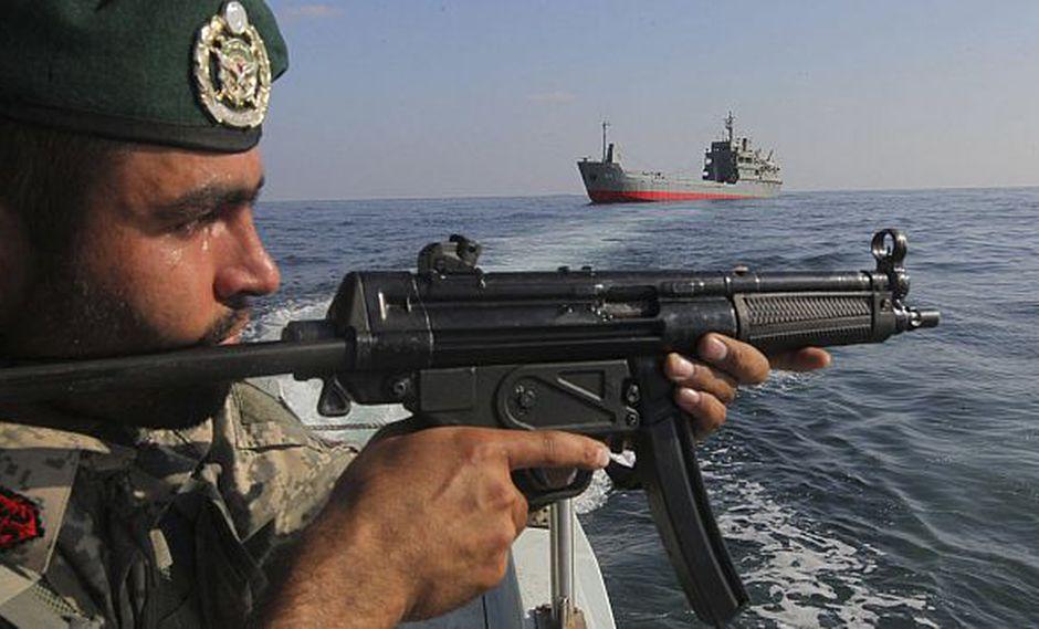 La milicia iraní vigila el estrecho de Ormuz, clave para el comercio petrolero mundial. (Reuters)