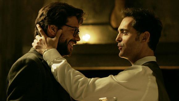 """El Profesor y Berlín cantan """"Bella Ciao"""" en 'La Casa de Papel'. (Foto: Netflix)"""