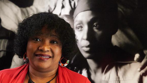 """Zindzi era la hija menor de las dos que tuvo el primer presidente democrático de Sudáfrica, fallecido en 2013, con la también luchadora contra el sistema segregacionista del """"apartheid"""" Winnie Madikizela-Mandela (fallecida en 2018). (Foto: EFE/EPA/ADAM WARZAWA)"""