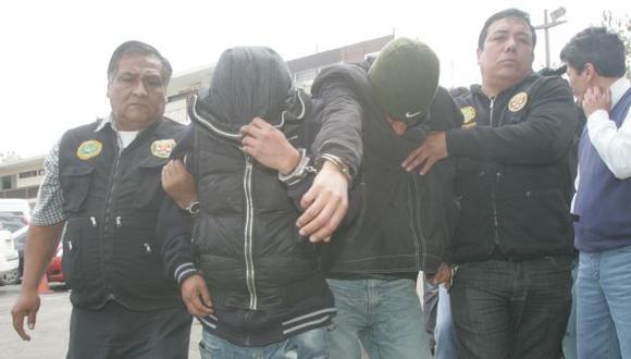 Fueron capturados cuando deambulaban sospechosamente en un terreno descampado. (USI/Referencial)