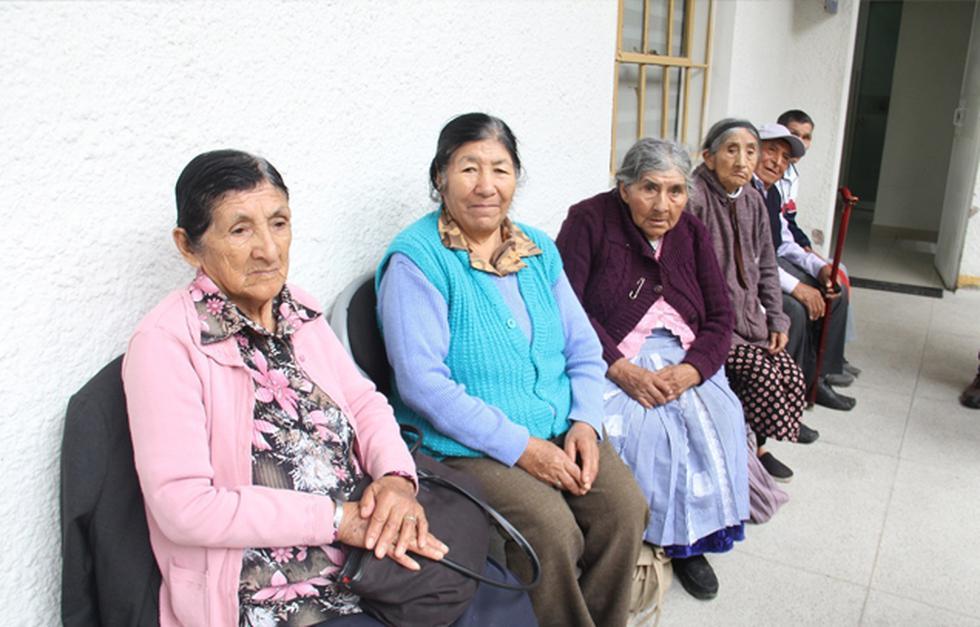 El fin de mejorar la salud oftalmológica de los adultos mayores en extrema pobreza. (Foto: Pensión 65)