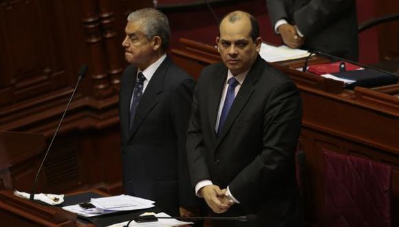 Congreso convoca a Villanueva y Castilla para explicar aumento de sueldos. (César Fajardo)