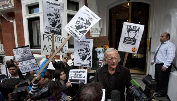 El australiano continúa refugiado en la embajada ecuatoriana. (Reuters)