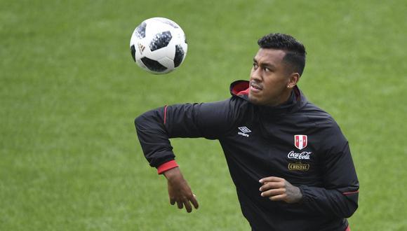 Renato Tapia no ingresa en los planes del Feyenoord. (Foto: AFP)