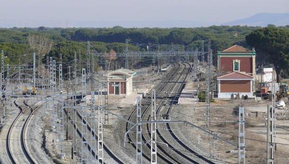 Estación de trenes de Valdestillas (Foto: ALBERTO SALVIEJO)