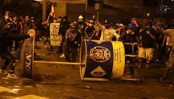 Enfrentamientos entre manifestantes y agentes de la Policía Nacional durante la segunda marcha nacional dejó al menos dos muertos. (Foto: GEC)