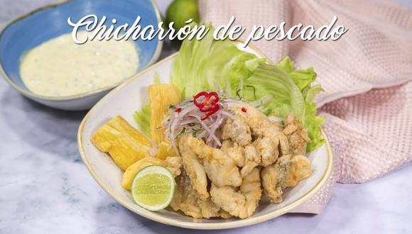 """Sigue los pasos de esta receta de """"A Comer"""" para obtener un pescado totalmente cocinado y con un exterior crocante. Todo acompañado de su salsa tártara tan característico de este plato. (Foto: A Comer)"""