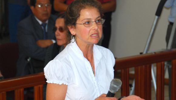 Esta madrugada Lori Berenson viajó a Estados Unidos tras ser expulsada del Perú. (Reuters)