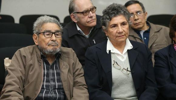 La Fiscalía rechazo el pedido de la condenada por terrorismo Elena Iparraguirre para que se le entreguen los restos del cabecilla de Sendero Luminoso, su esposo Abimael Guzmán, a través de un tercero. (Agencias)