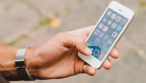 Delincuentes roban celulares y acceden a contactos de sus víctimas para estafar. Foto: referencial/Andina