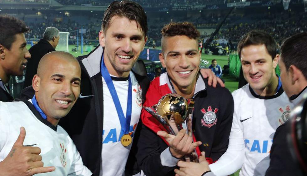 Paolo Guerrero fue el autor de los dos goles del Corinthians en el Mundial de Clubes. (AP)