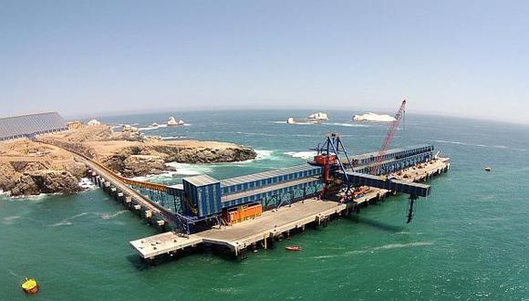 El puerto de Matarani es operado por Tisur S.A. tras ganar una licitación en 1999. (Foto: USI)<br>