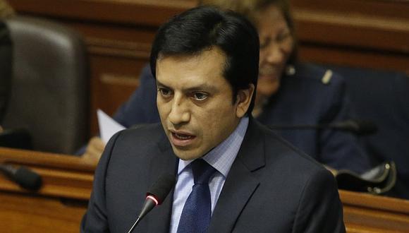 Denuncia periodística señala que Gilbert Violeta cobró fuertes sumas de dinero a candidatos al Congreso. (Atoq Ramón/Perú21)