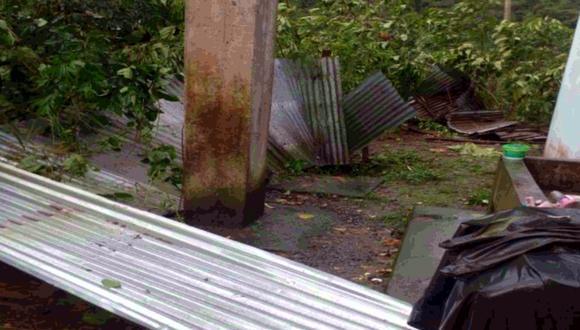 Los fuertes vientos provocaron el desprendimiento de los techos de calamina. (Foto: Indeci)