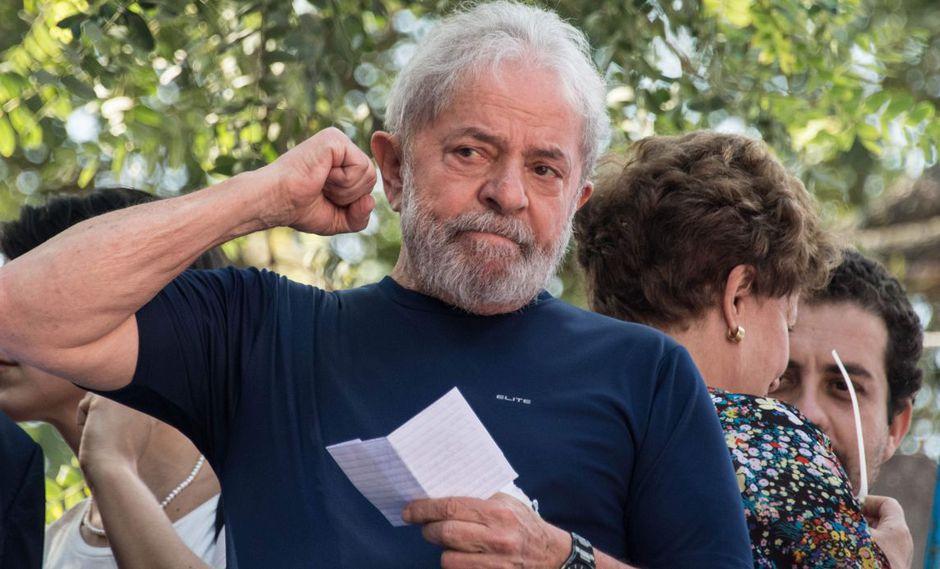 Lula da Silva, quien defiende ferozmente su inocencia, aseveró que está encarcelado porque quiere, pues tuvo muchas oportunidades para salir del país.a. (Foto: AFP)