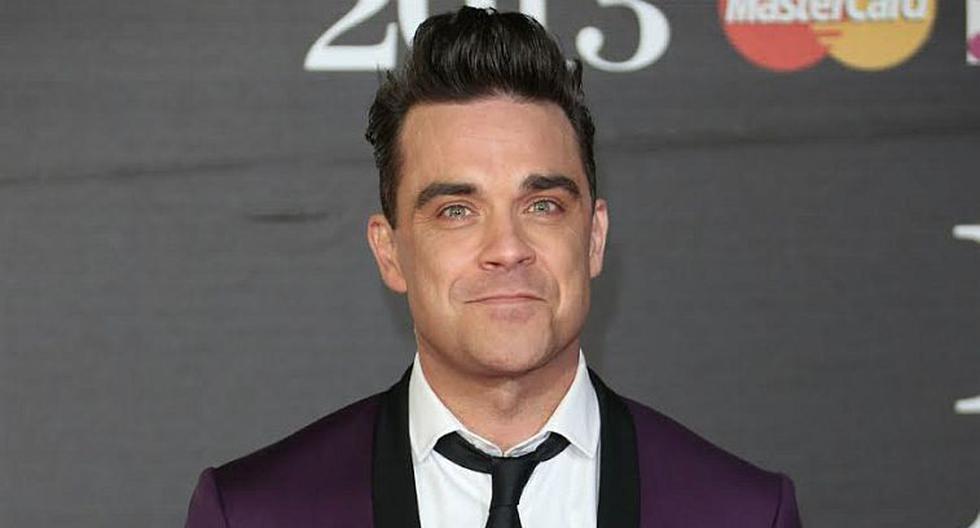Robbie Williams con 16 años abandonó sus estudios para convertirse en un futbolista profesional. (Internet)