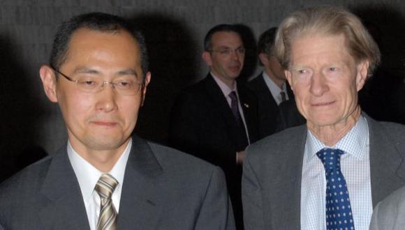 RECONOCIMIENTO. Shinya Yamanaka (50) y John Gurdon (79). (Reuters)