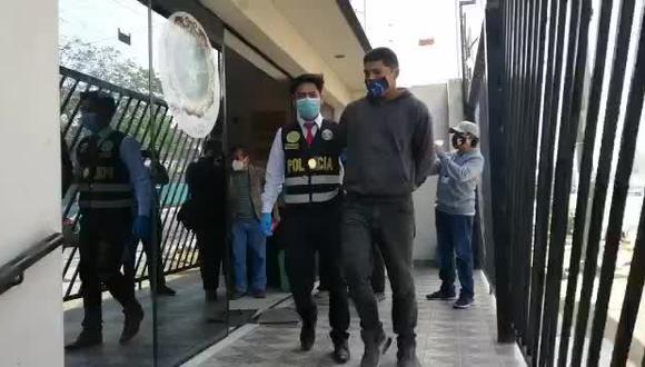 Hermanos acusados de utilizar a menores para arrebatar autos a taxistas. (VIDEO PNP)