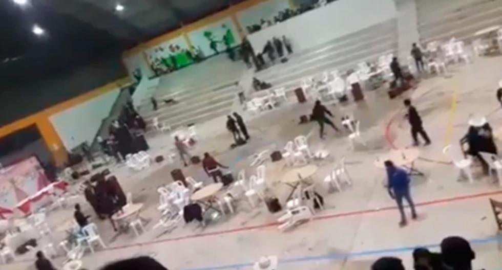 Fiesta de promoción termina en caos por enfrentamiento entre padres en Cajamarca (Foto: captura video)