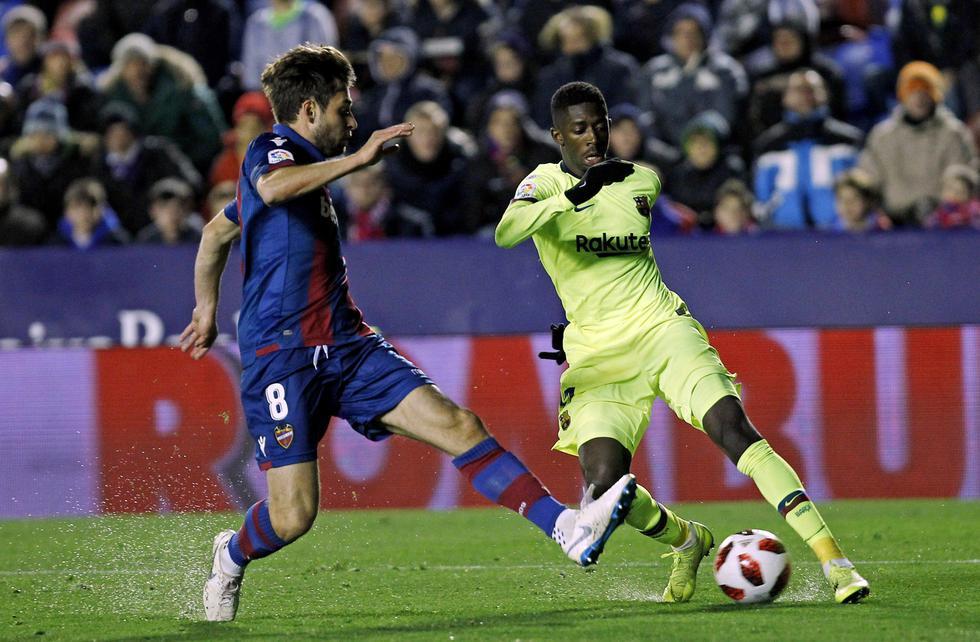 Barcelona se complica en la Copa del Rey al caer 2-1 ante Levante. (AP)