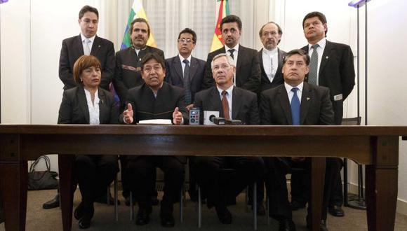 EQUIPO BOLIVIANO. La comisión estuvo encabezada por el canciller David Choquehuanca y el expresidente Eduardo Rodríguez. (EFE)