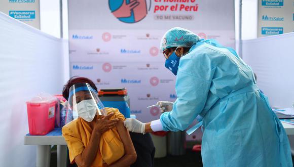 Inmunización contra COVID-19 será todos los días, menos los jueves, informa Ministerio de Salud. (Foto: Hugo Curotto/GEC)