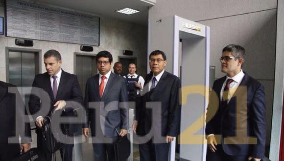 Jorge Barata: Fiscales coordinan últimos detalles de interrogatorio. (Fabiola Valle/Perú21)