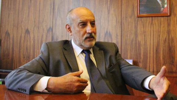 Eleodoro Mayorga anunció que no renunciará al gabinete de Ana Jara. (Perú21)