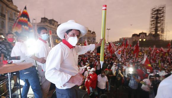 Cerrón da bienvenida a científico Modesto Montoya para formar parte de Perú Libre.