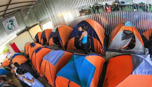 Con una capacidad para 500 inmigrantes, el centro se encuentra dentro de las instalaciones de la Patrulla Fronteriza. (Foto: EFE)