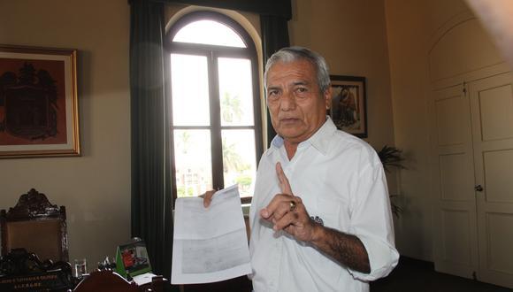 Elidio Espinoza rechazo presunta mala acción de trabajadores de la comuna.