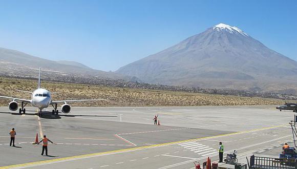 Se encuentra prohibido el ingreso y salida de los servicios de transporte aéreo, terrestre y ferroviario del departamento de Arequipa. (Foto archivo: GEC)