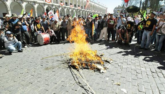 Congresistas tienen opiniones diversas sobe las protestas contra Tía María. (Foto: GEC)