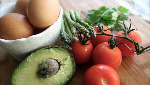 Es un mito el decir que combinar la palta y el huevo te hará doler el estómago o afectará el hígado. (Foto: Pixabay)