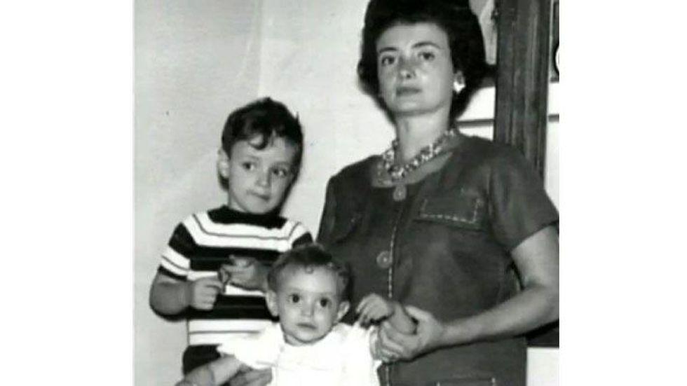 Gustavo Cerati junto a su familia. (Foto: National Geographic)