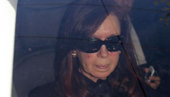 Cristina Fernández a su llegada al hospital de la Fundación Favaloro. (AP)