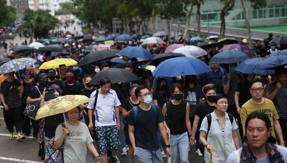 Las demandas del movimiento incluyen la renuncia de la jefa ejecutiva del territorio semiautónomo chino, Carrie Lam, elecciones democráticas y una investigación independiente sobre el uso de la fuerza policial. (Foto: EFE)