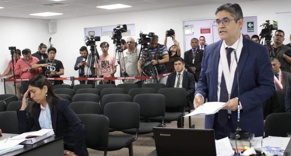 Abogada Giuliana Loza y el fiscal José Domingo Pérez en audiencia de prisión preventiva de Keiko Fujimori (Poder Judicial).