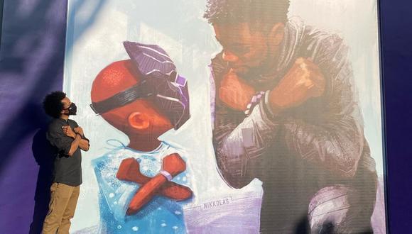 Disney presenta el emotivo mural que creó en honor a la memoria de Chadwick Boseman. (Foto: @NikkolasSmith)