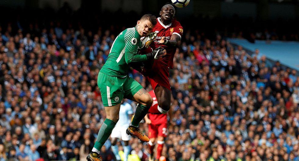 Manchester goleó 5-0 al Liverpool por la cuarta fecha de la Premier League. (REUTERS)