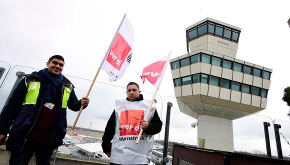 Alrededor de sesenta vuelos en Tegel y otros veinte en Schonefeld se verán directamente afectados por la huelga. (Foto: AFP).