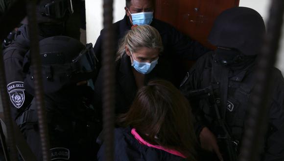 Jeanine Áñez escribió una carta tras 90 días encarcelada. (Foto:  LUIS GANDARILLAS / AFP)