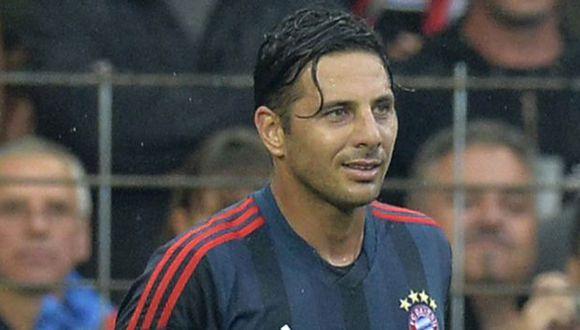 A Pizarro le anularon gol. (AFP)