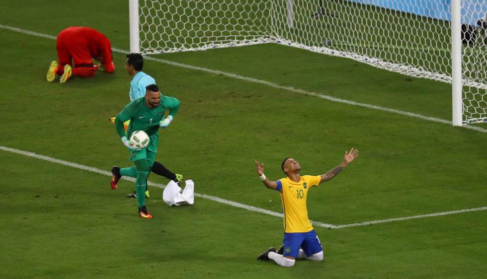 Brasil venció a Alemania en Río 2016 y ganó su primera medalla de oro en fútbol olímpico. (Reuters)