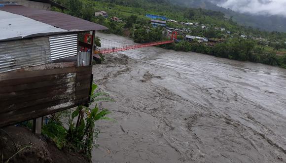INDECI reportó que dos puentes colgantes resultaron dañados por las intensas lluvias que continuarán en los siguientes días (Foto: COER)