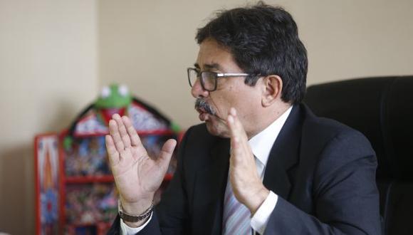 Cornejo asegura que ya cumplió con los requisitos que exige el JNE pero que estos están siendo evaluados.